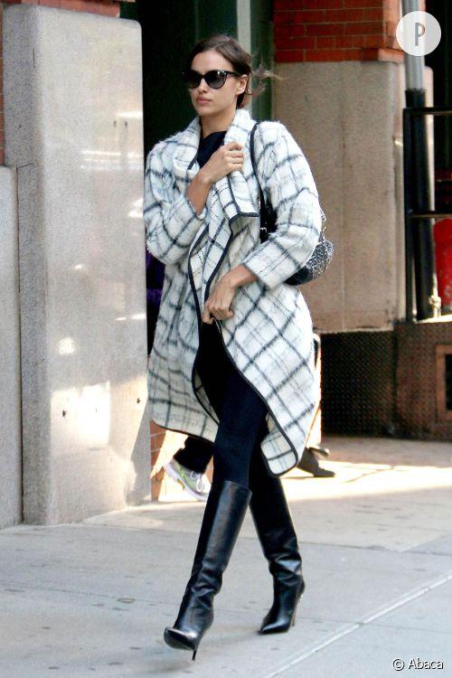 Irina Shayk dans les rues de New York le 20 octobre 2015.