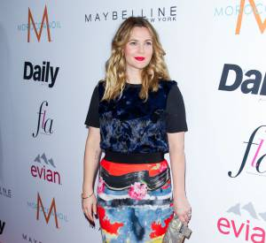 Drew Barrymore sublime et rayonnante sur red carpet.