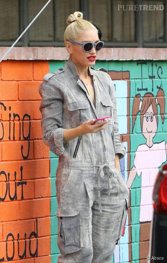 Gwen Stefani ravissante et stylée pour aller chercher ses enfants à l'école.