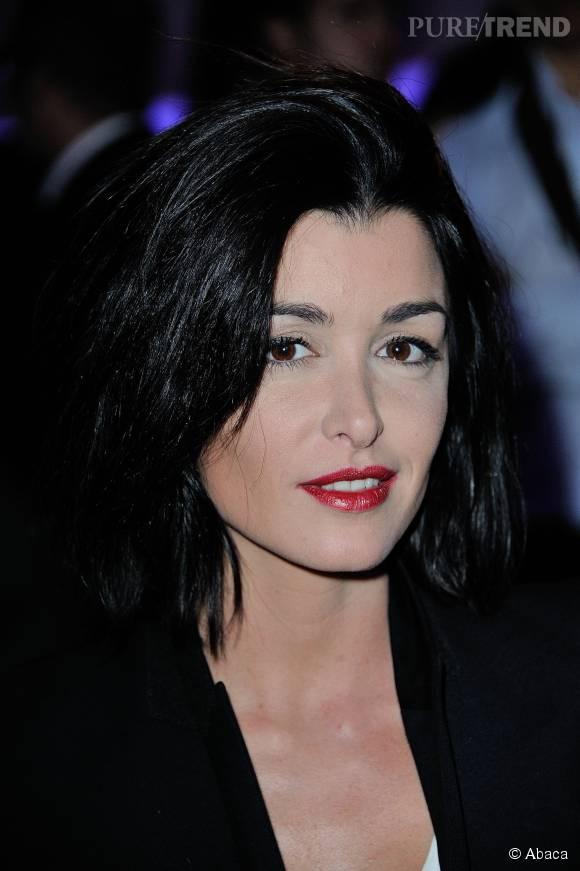 """Jenifer a ébloui l'assitance dans """"The Voice Kids"""" sur TF1 grâce à son nouveau style, vendredi 23 octobre 2015."""