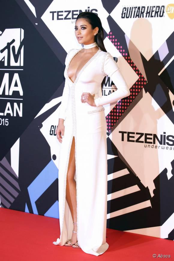 Shay Mitchell en Kayat aux MTV EMA le 25 octobre 2015 à Milan.