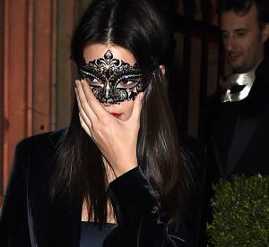 Kendall Jenner devient Playboy Bunny... version dark