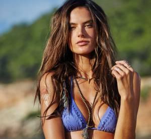 Alessandra Ambrosio : huilée et terriblement sexy pour sa collection de bikinis