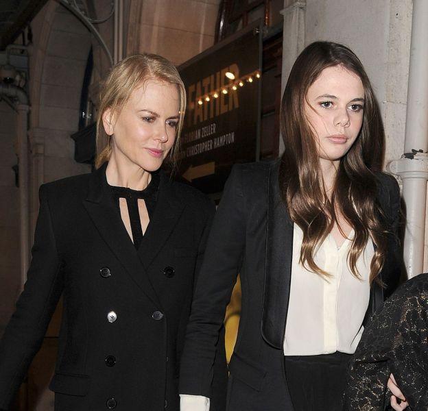 Nicole Kidman en compagnie de sa nièce, Lucia, à Londres, le 17 octobre 2015.