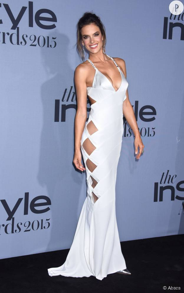 Alessandra Ambrosio, nue sous sa robe Alexandre Vauthier aux InStyle Awards 2015.