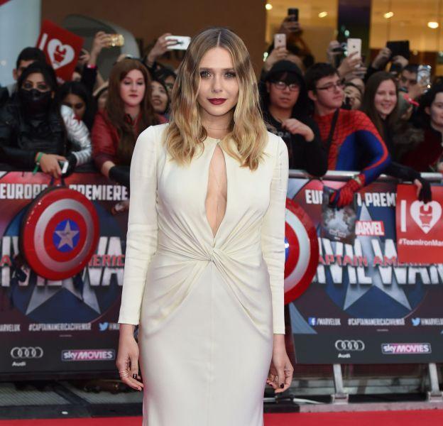 """Elizabeth Olsen s'est dévoilée plus sensuelle que jamais à la première de """"Captain America""""."""