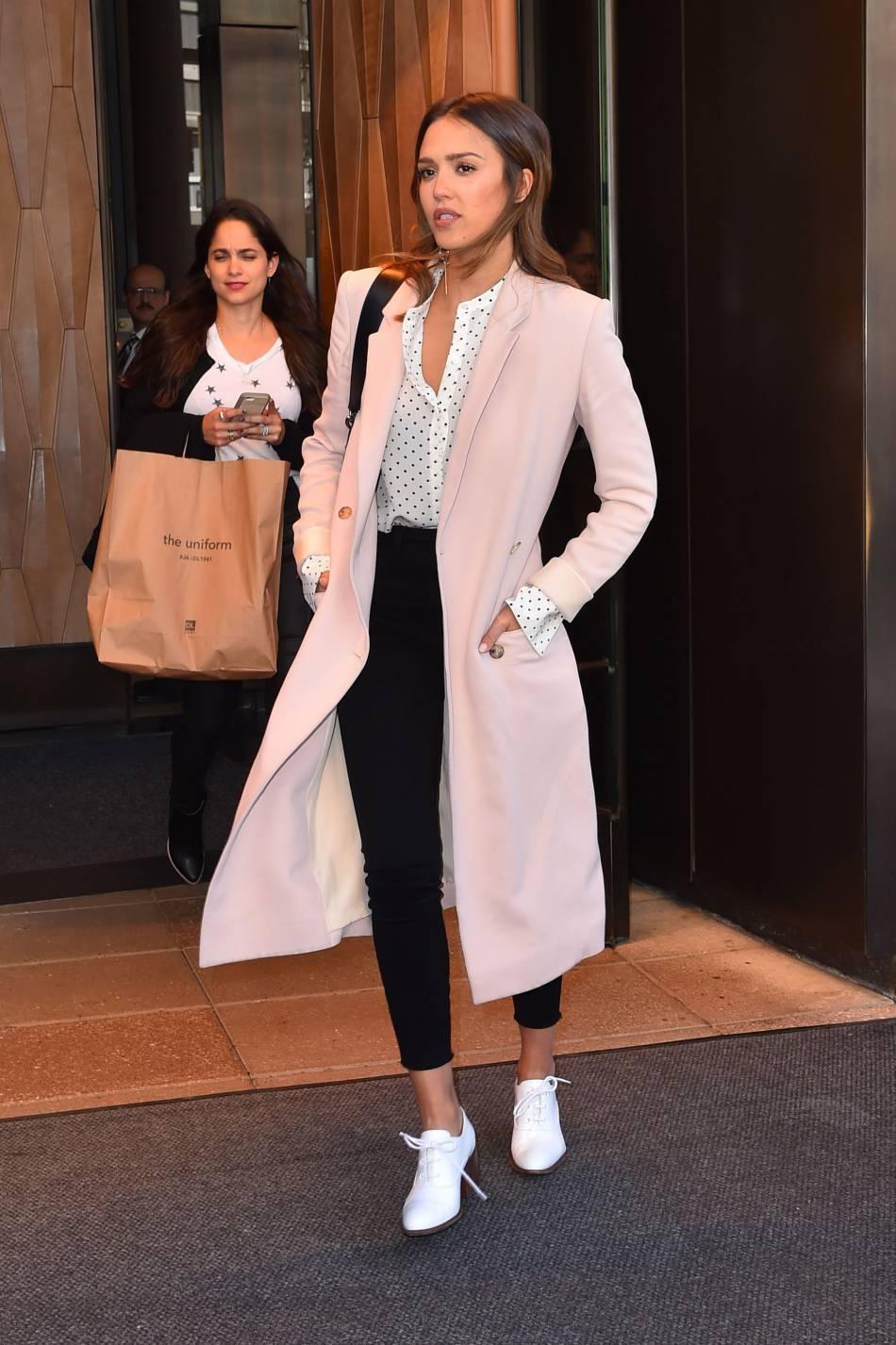Cette veste longue rose est un vrai coup de coeur.