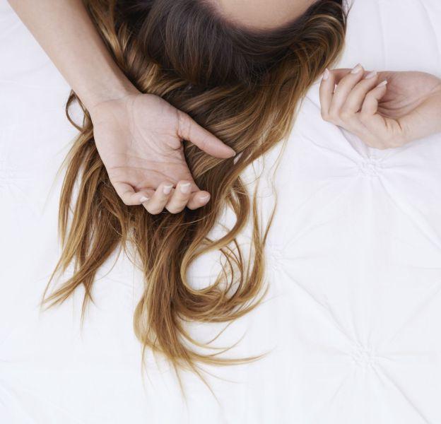 Se coiffer avant de dormir, c'est gagner du temps le matin.