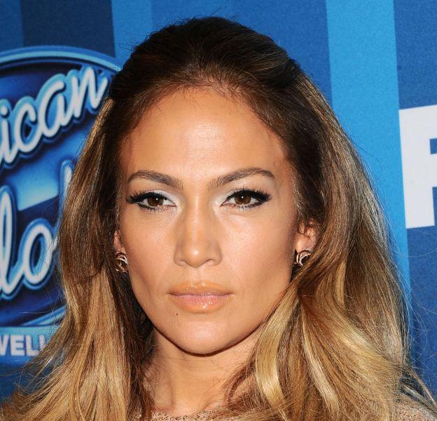 Jennifer Lopez dans sublime robe de princesse à paillettes en avril 2016.