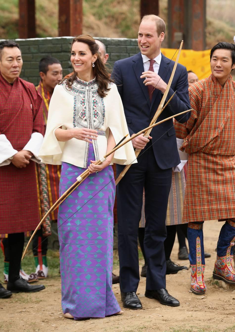Le couple princier s'était essayé au tir à l'arc lors de leur voyage officiel au Bhoutan.