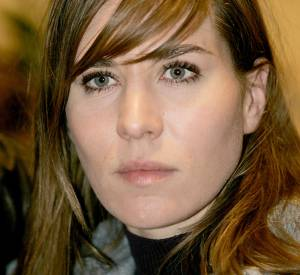 2005 : la comédienne opte pour la frange de côté et tourne avec Claude Lelouch.