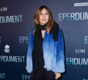 À 48 ans, Mathilde Seigner fait son grand retour à la télé... et au châtain.