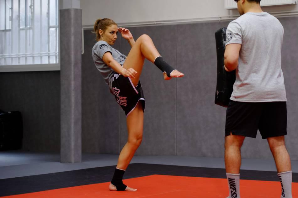 Ariane Brodier maîtrise les kicks comme personne.