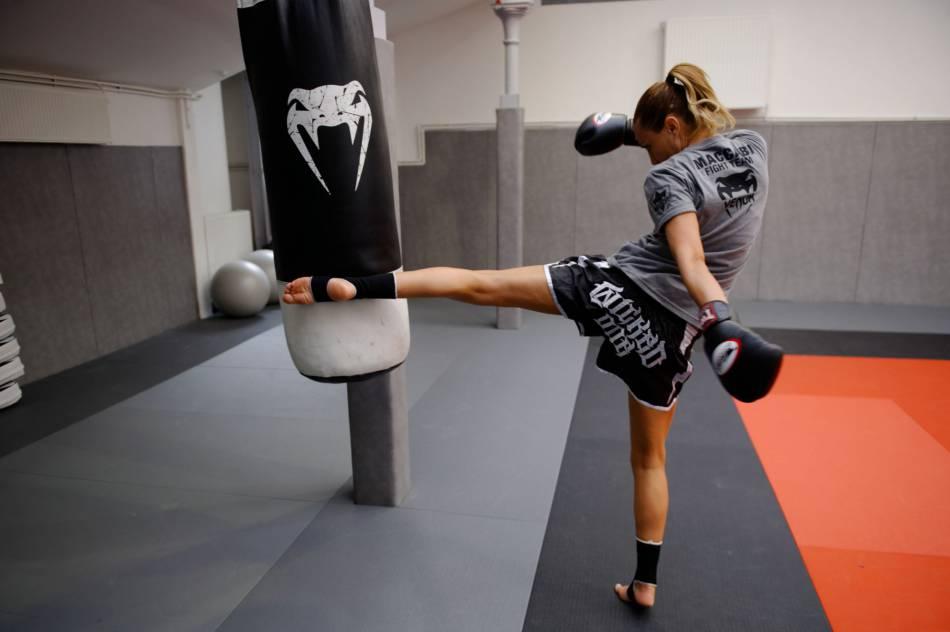 Ariane Brodier est une adepte de boxe thaï.