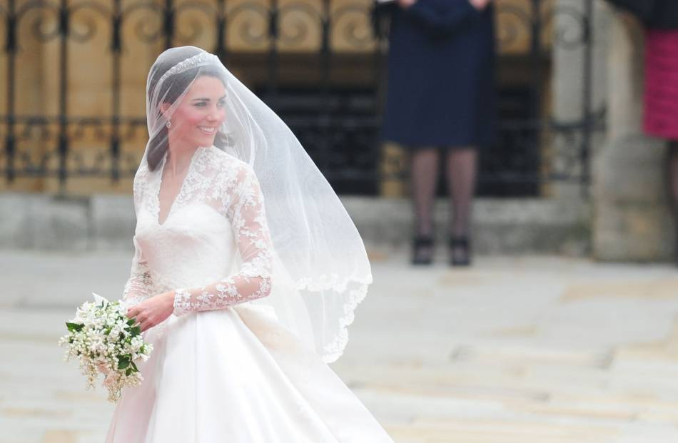 photos officielles 1e242 6d090 Mariage : pourquoi la robe de mariée est blanche - Puretrend