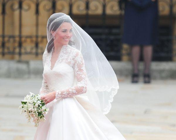 Mariage : pourquoi la robe de mariée est