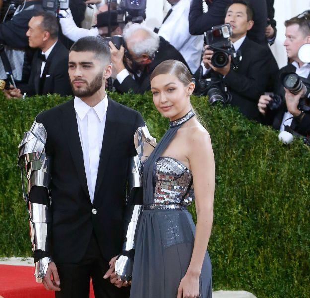 Gigi Hadid et Zayn Malik ont été le couple phare de ce Met Ball 2016. Gigi opte pour une robe Tommy Hilfiger tandis que Zayn séduit en Versace.