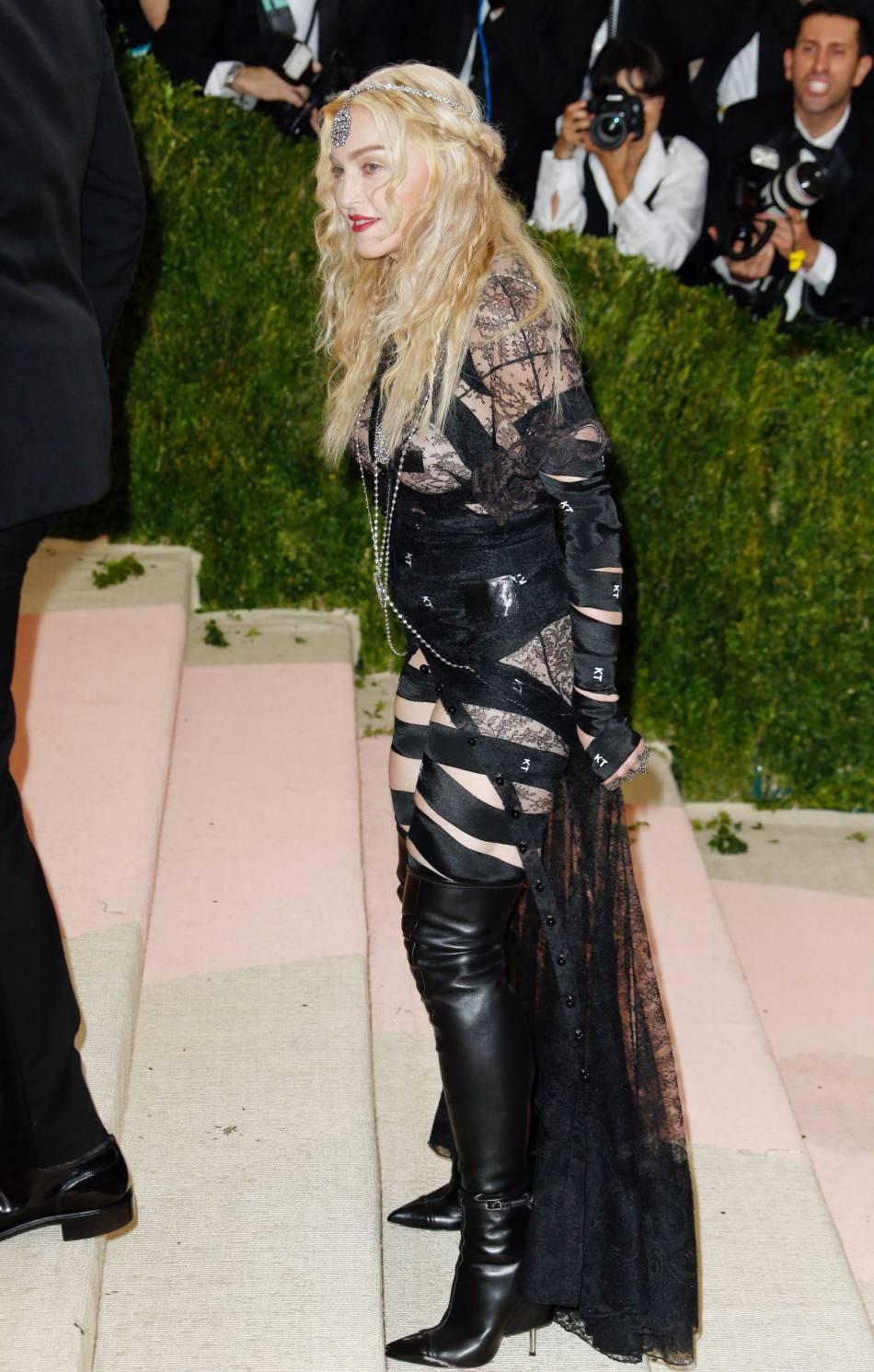 Madonna défigurée au botox, elle est méconnaissable.