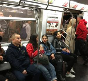 Lourdes Leon a été photographiée dans le métro new-yorkais, lundi 2 mai.