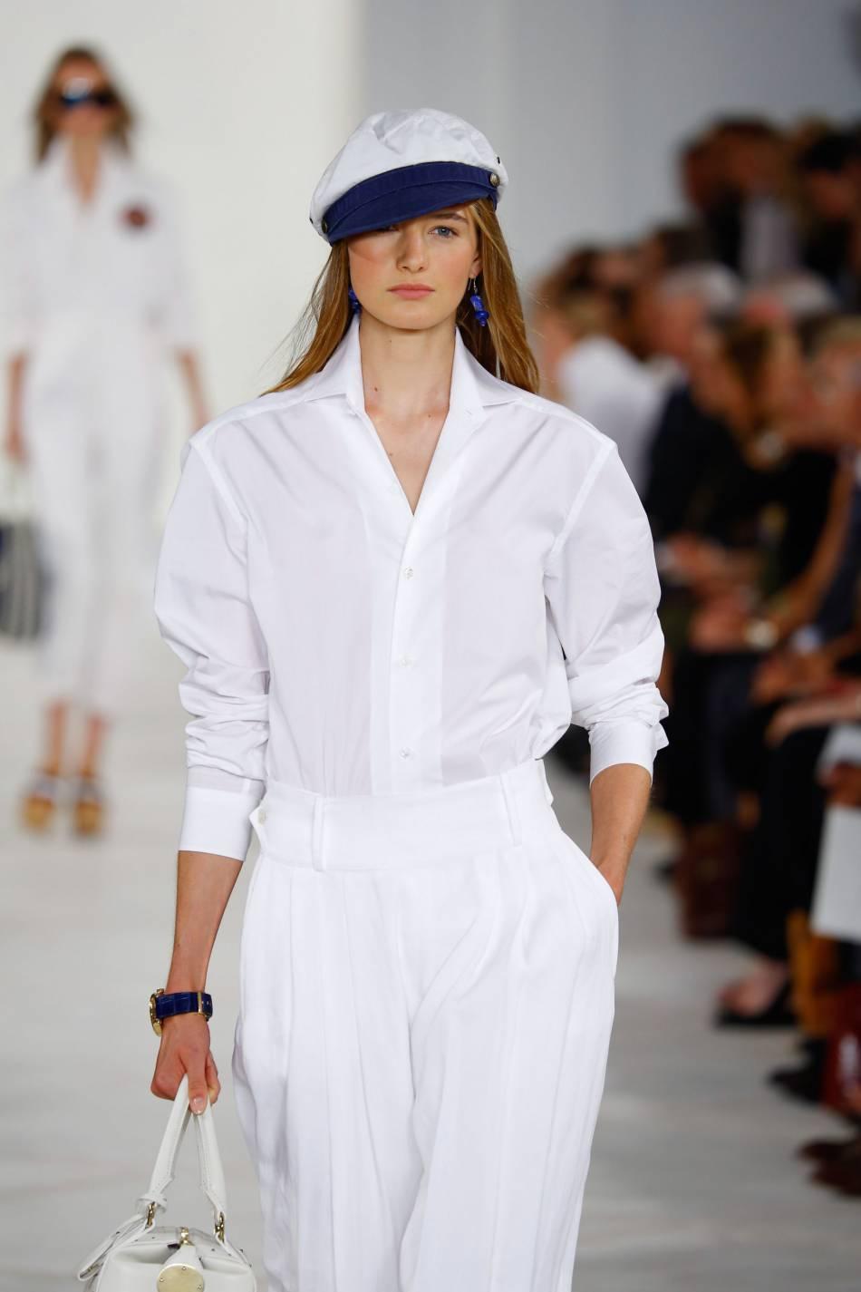 Ralph Lauren mise sur un accessoire très marin : le chapeau de marin.