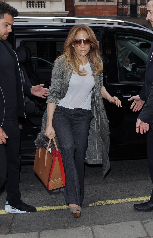 Jennifer Lopez fait grimper la température sur les réseaux sociaux.