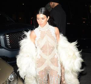 Kourtney Kardashian : cigare à la bouche et regard hot, elle enflamme la Toile !