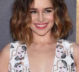 """Emilia Clarke en a ras-le-bol de voir les femmes nues dans """"Game of Thrones""""... et pas les hommes."""