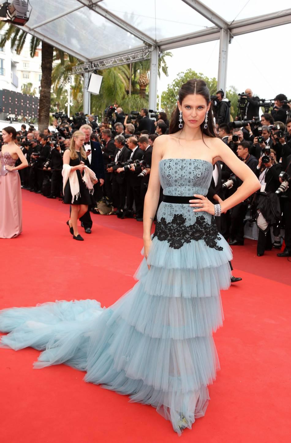 Cannes 2016 : Bianca Balti en Alberta Ferretti.