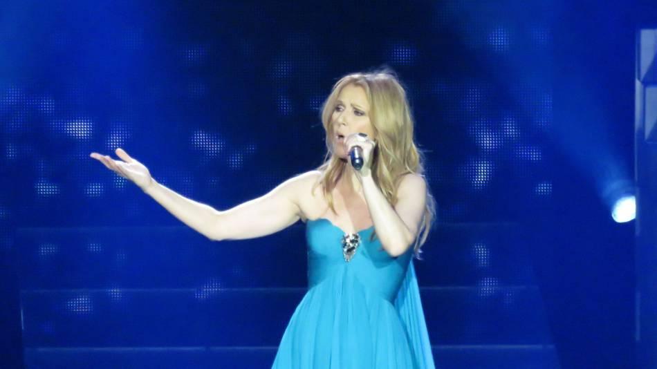 Céline Dion est remonté sur scène pour et grâce à ses fans.