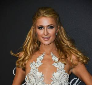 Cannes 2016 : Paris Hilton joue les models sur la terrasse de son hôtel...