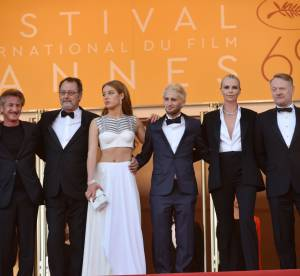 Cannes 2016 : Charlize Theron, Adèle Exarchopoulos, montée des marches, jour 10