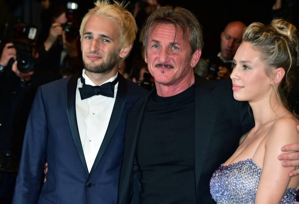 Sean Penn entouré de ses enfants, Hopper Jack et Dylan.