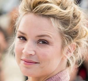 """Cannes 2016 : Virginie Efira, féminine et radieuse pour """"Elle"""""""