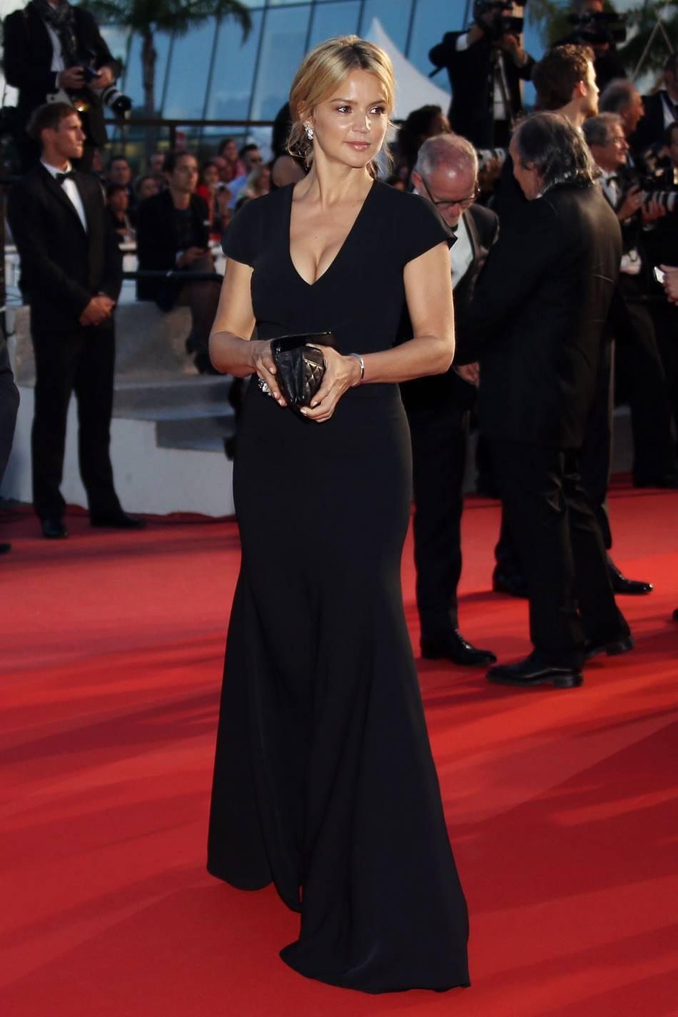 L'actrice a opté pour une tenue sobre et classique ce soir-là.