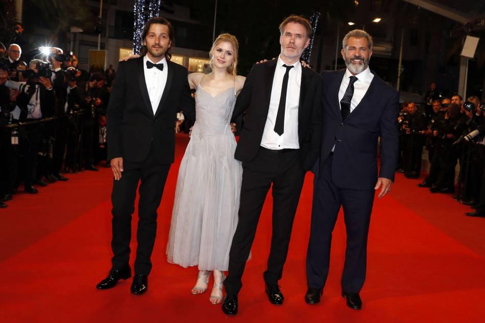 """L'équipe de """"Blood Father"""", dernier film à être présenté en compétition officielle."""
