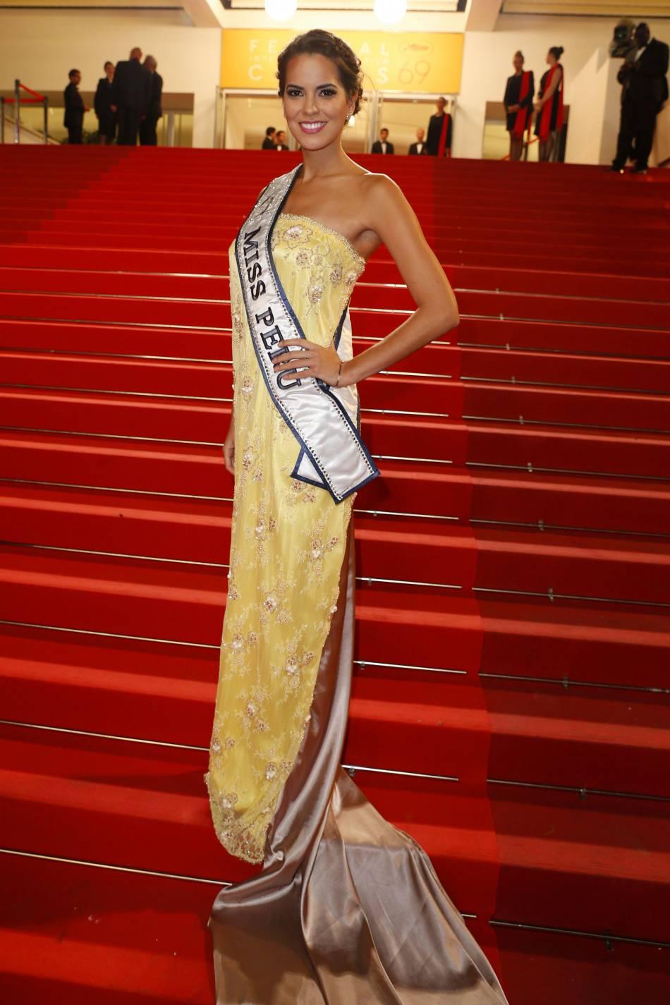 """Miss Pérou sur le tapis rouge de """"Blood Father""""."""