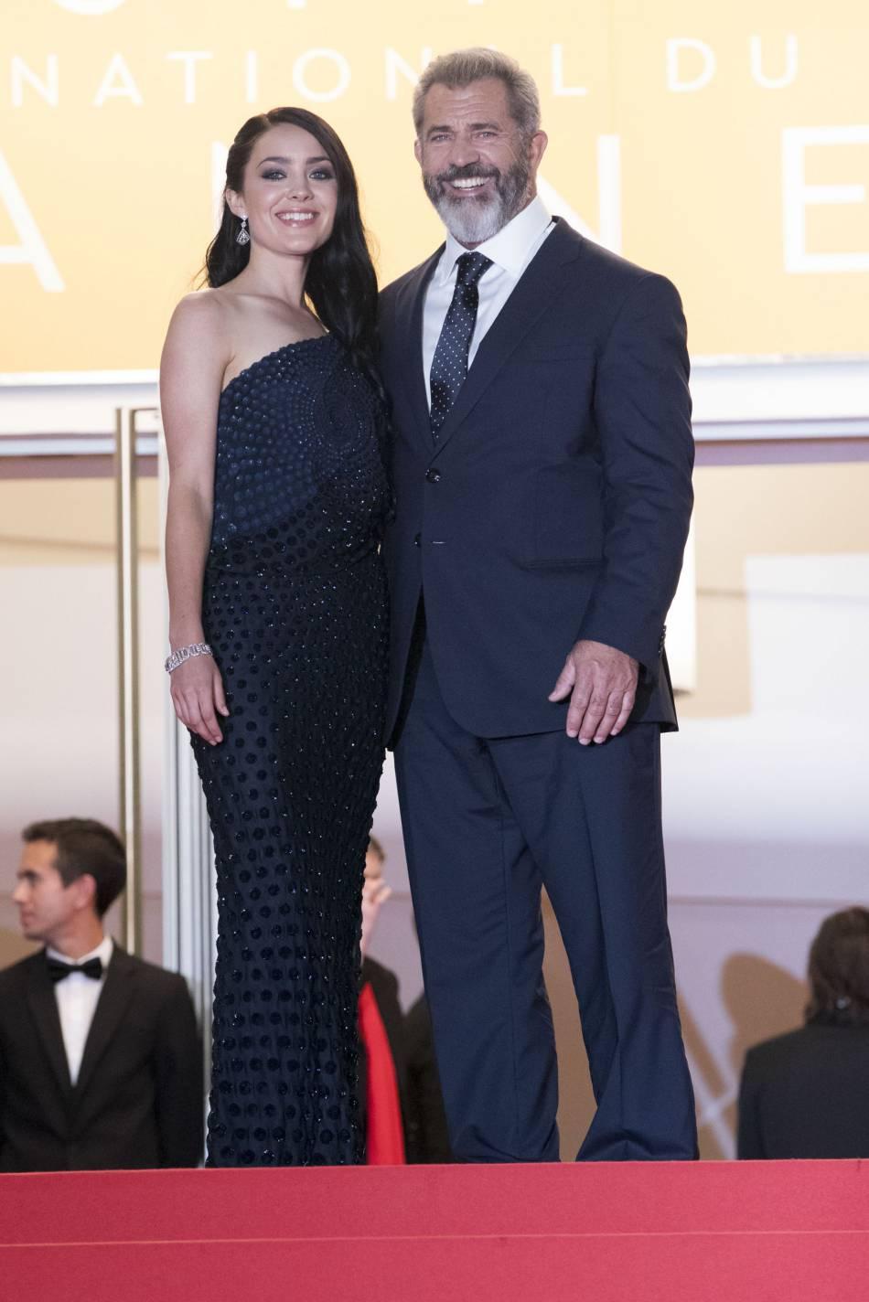 Mel Gibson est venu en compagnie de sa compagne, Rosalind Ross.