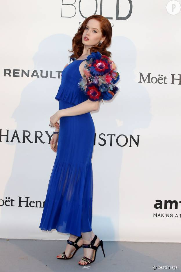 Ellie Bamber au gala de l'AmfAR organisé lors de ce Festival de Cannes 2016.