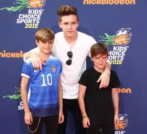 Le fils aîné de David Beckham, passionné de photographie, a aussi partagé plusieurs clichés de Harper et Cruz Beckham sur le compte de Vogue China.