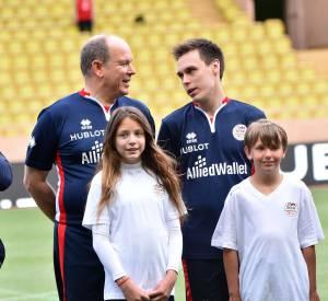 Albert de Monaco, capitaine de l'équipe de footA.S. Star Team for Children.