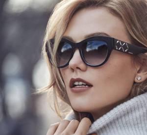 Côté bijoux, la femme n'a pas besoin d'en faire trop pour se faire remarquer. La preuve avec ce look de Karlie Kloss pour Swarovski.