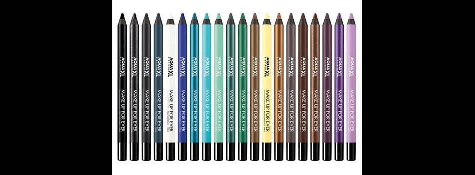 La gamme Aqua XL Eyeliner représentée par Charli XCX décline 20 couleurs en formule waterproof et très concentrée.
