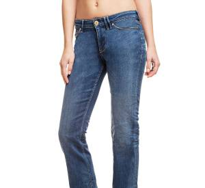 Jean femme GuessEco, 129,90€.