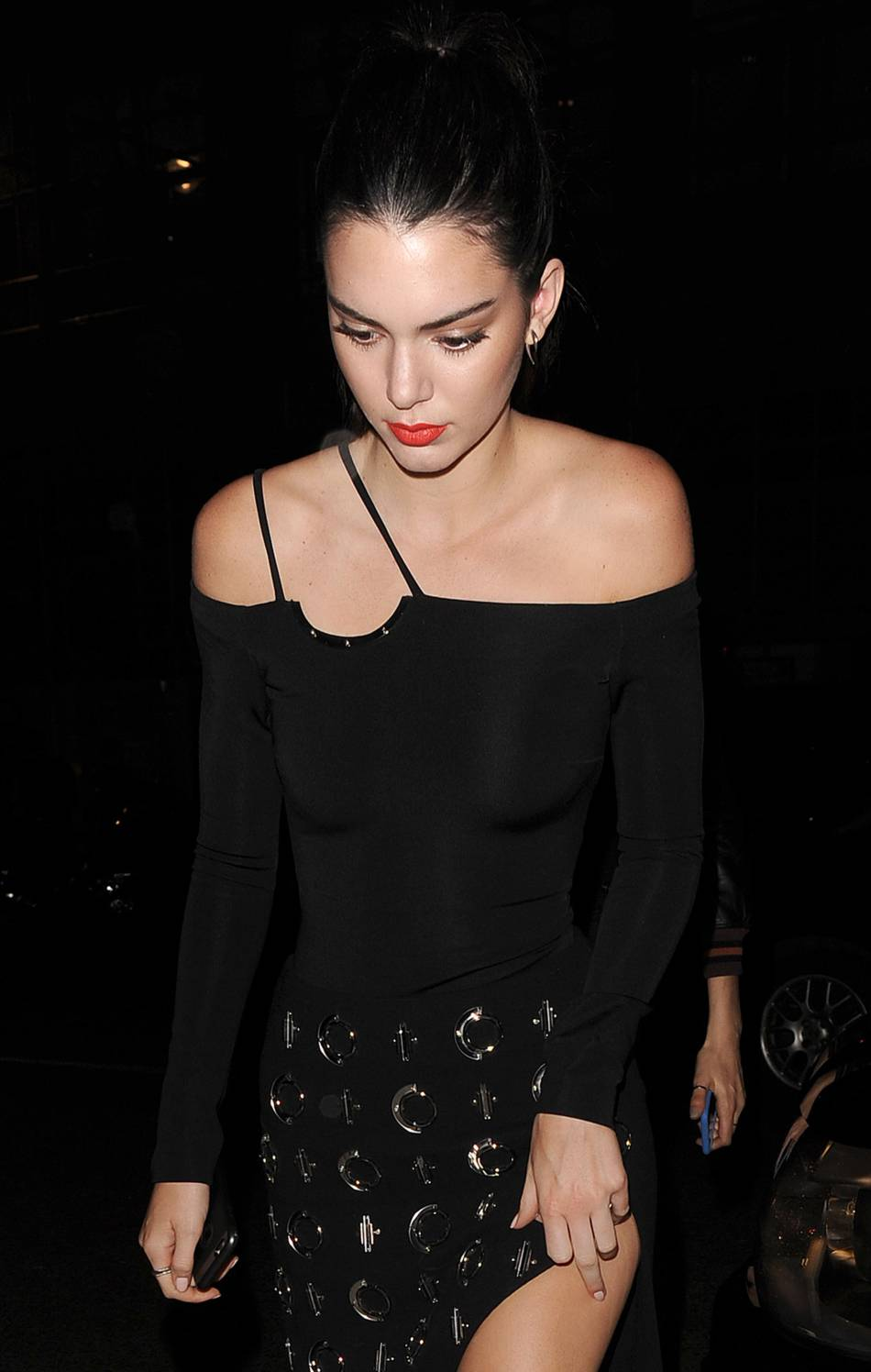 Kendall Jenner met Londres à ses pieds avec un joli jeu de jambes.