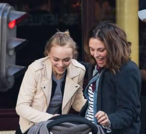 Lily-Rose Depp a dû être heureuse de voir que sa tante Alysson était du côté de son père Johnny Depp.