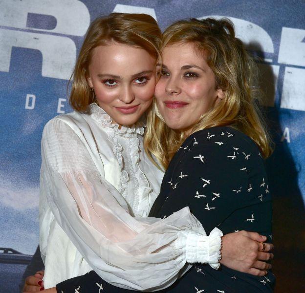 """Lily-Rose Depp et Alysson Paradis à l'avant-Première du film """"Les Enragés"""" au cinéma UGC Les Halles à Paris le 28 septembre 2015."""