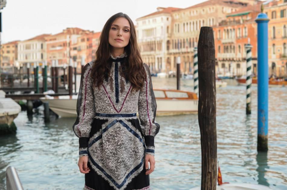 Keira Knightleyau dîner MyTheresa x Erdem à Venise le 26 mai 2016.