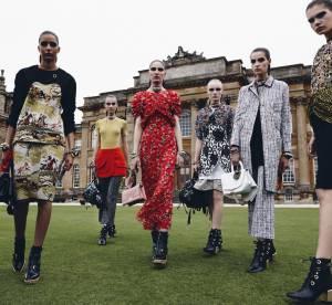 """Défilé Dior Croisière 2017 : le grand show """"made in Britain"""""""