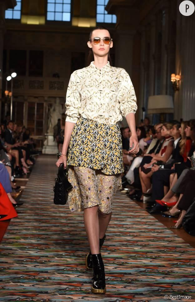 Le mélange d'imprimés fait le show sur le défilé Dior.