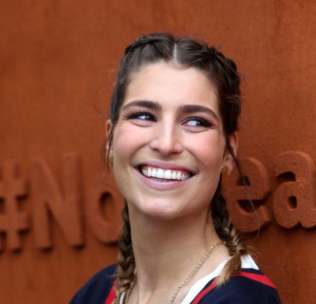 Laury Thilleman est pétillante et sensuelle pour ce tournoi Roland-Garros 2016.